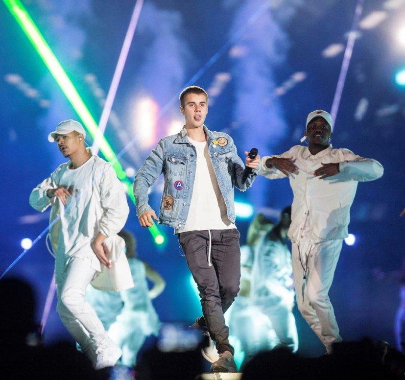 haz clic en la imagen para ampliarla Nombre:  Bieber2.jpg Vistas: 427 Tamaño:  101,1 KB