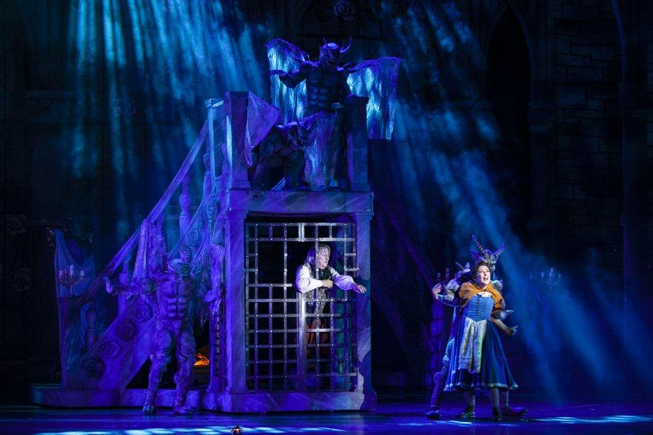 haz clic en la imagen para ampliarla Nombre:  Robe Teatro Colsubsidio photo by Claudio Pierri IMG_3760.jpg Vistas: 214 Tamaño:  104,6 KB